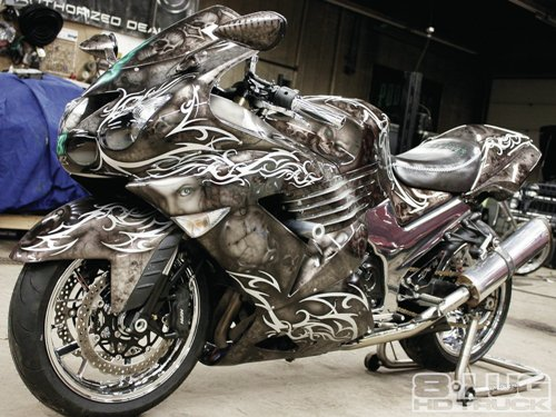 Airbrushing Motorcycle