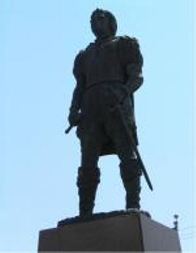 Alonso Alvarez de Pineda Statue