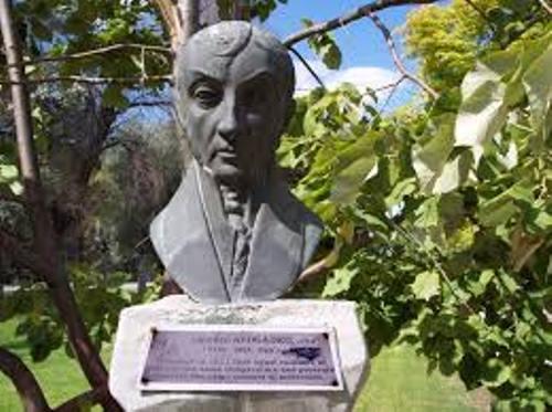 Amedeo Avogadro Statue