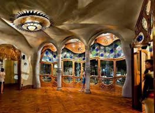 Antoni Gaudi Picture