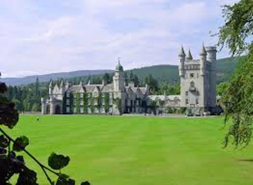 Pic of Balmoral Castle