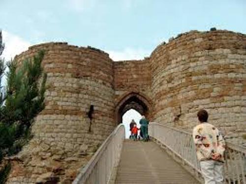Beeston Castle Image