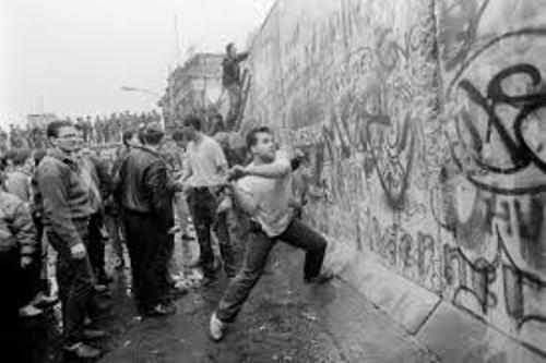 Berlin Wall Facts