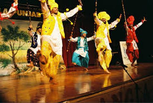 Bhangra Dancing Style