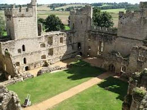 Bodiam Castle Pic