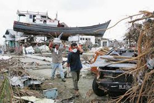 Boxing Day Tsunami 2004 Images