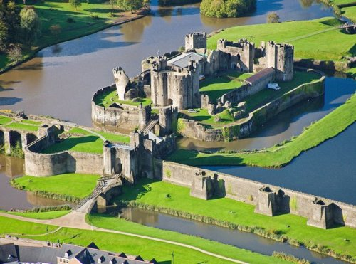 Caerphilly Castle Beauty