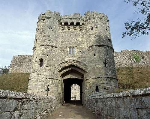 Carisbrooke Castle Image