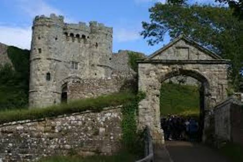 Carisbrooke Castle facts