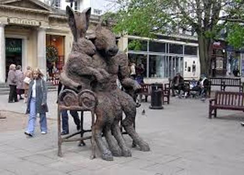 Cheltenham Statue