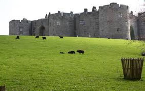 Chirk Castle Image
