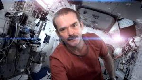 Facts about Chris Hadfield