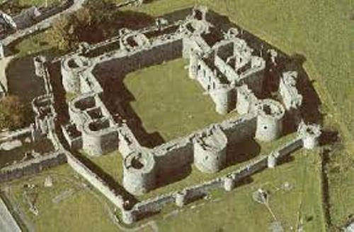 10 Facts About Concentric Castles Fact File