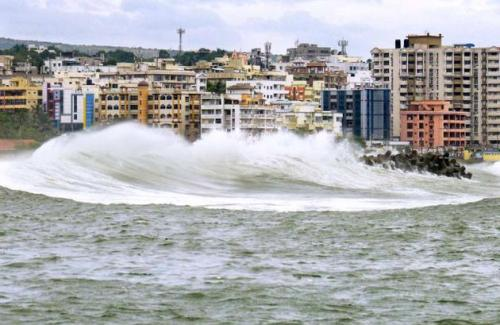 Facts about Cyclone Hudhud