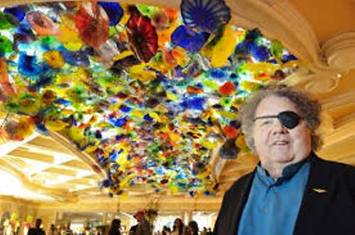 Facts about Dale Chihuly