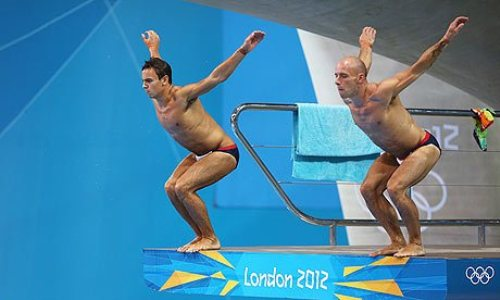 diving images