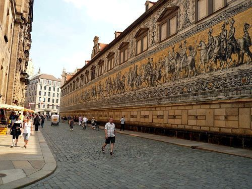 Dresden Images